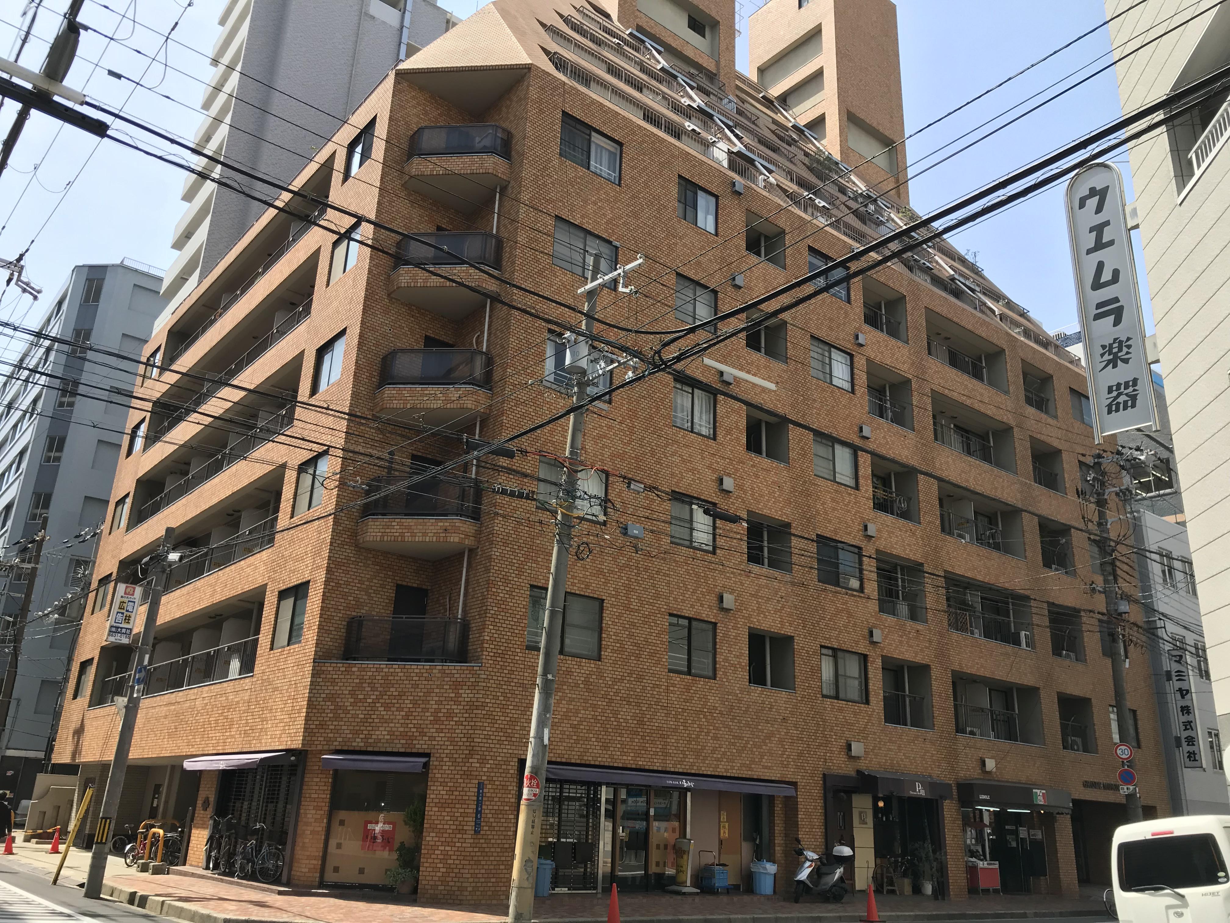 大阪市中央区安土町1丁目の物件外観写真